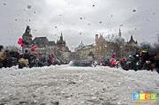 几千人打雪仗欲破世界纪录